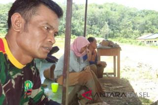 Jelang penutupan TMMD warga desa Malilingin merasa sedih