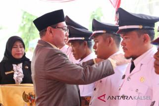 Bupati Lantik Delapan Kepala Desa Kecamatan Hampang