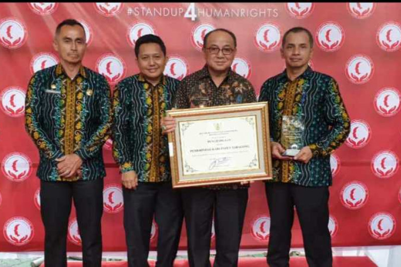Tabalong four times wins human right award