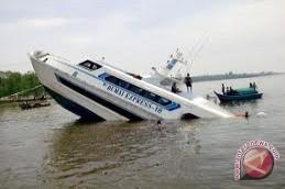 Kapal Penyeberangan Tenggelam Belum Bisa Diangkat
