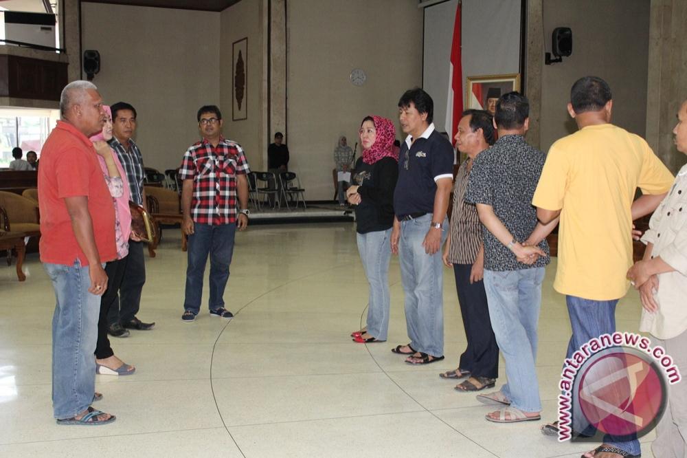 DPRD Persiapkan Rapat  Paripurna Istimewa Perdana 2013