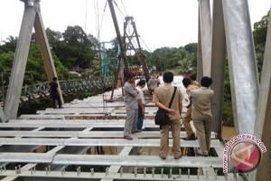 Komisi II DPRD Paser Tinjau Proyek Jembatan