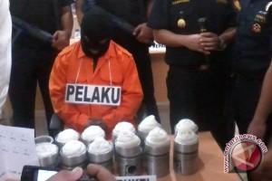 Warga Malaysia Pembawa Sabu-Sabu Diperiksa Intensif