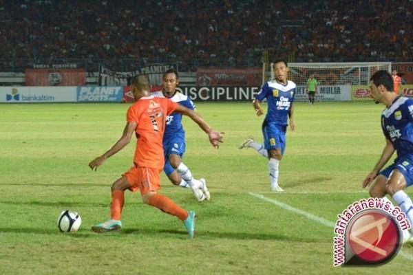 Persisam Patahkan Perlawanan Persib Bandung 2-1