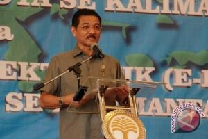KPK Periksa Mantan Mendagri Gamawan Fauzi
