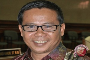 Legislator Pertanyakan Rencana  Pembangunan Rel KA