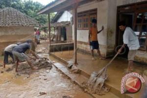 Banjir Lumpur Tambang KPC Terjang Pemukiman Warga