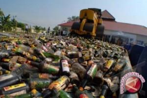Prajurit Perbatasan Amankan Ribuan Minuman Keras Selundupan