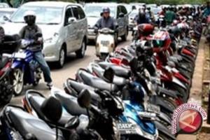 Retribusi Parkir di Pasar Ramadhan Rp19 Juta