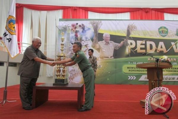 Gubernur Kaltim Serahkan Piala Bergilir Asah Terampil