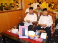 Pasangan 'incumbent' Awang Faroek Ishak-Mukmin Faisyal mendapatkan nomer urut 1 pada Rapat Pleno Terbuka