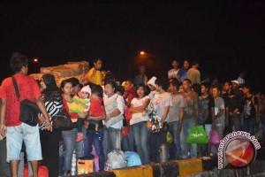 60 TKI  Dideportasi Kembali Bekerja Di Malaysia