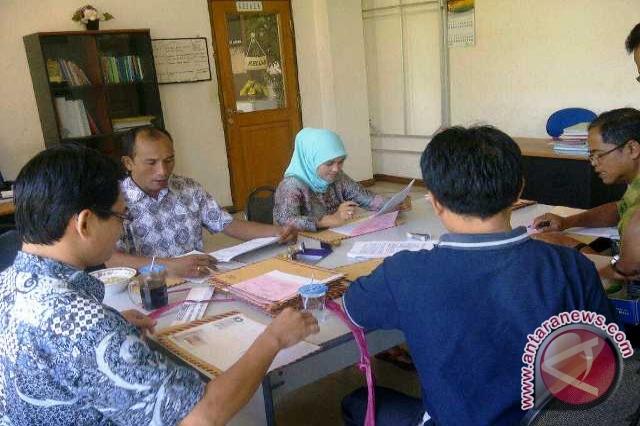 Negeri Sipil (CPNS) di kantor Badan Kepegawaian (BKD) Kabupaten
