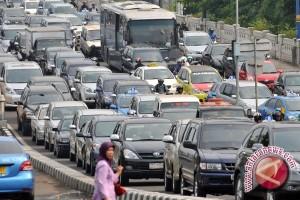 Pembangunan Jalan Tol Tidak Selesaikan Kemacetan