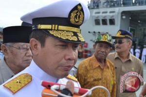 Peringatan Hari Samudera Dilakukan Diatas KRI Surabaya