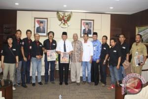 Gubernur Ajak Media Massa Tingkatkan Kerjasama untuk Bangun Daerah