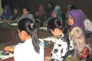 BKKBN Kaltim Latih Sebanyak 75 Orang Bidan