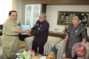 BPKP Kaltim Serahkan Laporan Hasil Pengawasan Tahun 2014