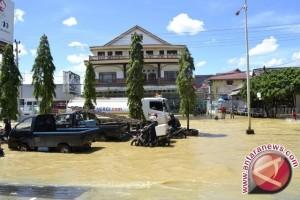 Banjir Akibat Pasang Sungai Mahakam Melanda Samarinda