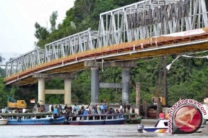 Aktivis Lingkungan Kaltim Blokade Sungai Mahakam