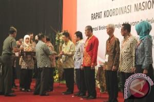 Kaltim Kembali Raih BKN Award 2015