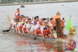 Empat Negara Ikuti Kejuaraan Perahu Naga di Kutai