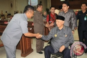 Gubernur Menolak PHK Bagi Karyawan Batu Bara