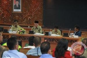 Gubernur Keluarkan Lima Direktif Perusahaan Jangan Asal PHK