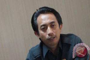 Legislator Sesalkan PKT Tidak Tuntaskan Persoalan Lumut