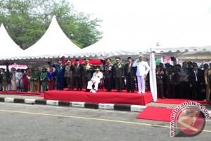 Gubernur Kaltim Irup HUT TNI di Balikpapan