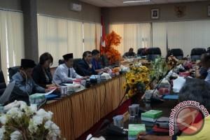 DPRD Dukung Pengadaan Transportasi Guru ke Pulau Gusung