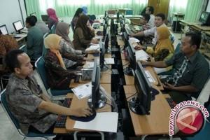 Uji kompetensi pejabat Penajam ditunda