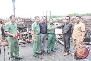 Komisi III Bantu Korban Kebakaran Bontang Kuala