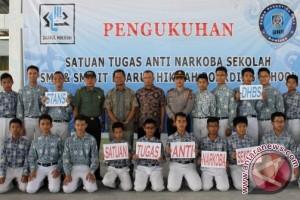 Wawali Kukuhkan Satgas Anti-Narkoba SMP/SMA Daarul Hikmah