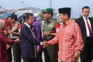 Wapres Jusuf Kalla Transit Balikpapan