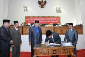 DPRD Bontang Setujui APBD Perubahan 2015