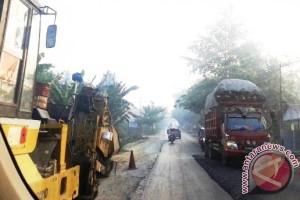 Kerusakan Jalan Trans-Kalimantan di Penajam Mencapai 104 Titik