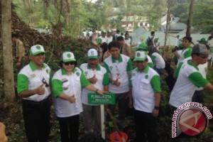 Pemkot Samarinda Gelar Aksi Tanam 4.800 Pohon