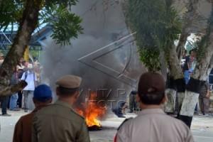 18 Orang Ditangkap terkait Pembakaran Kantor Gubernur Kaltara