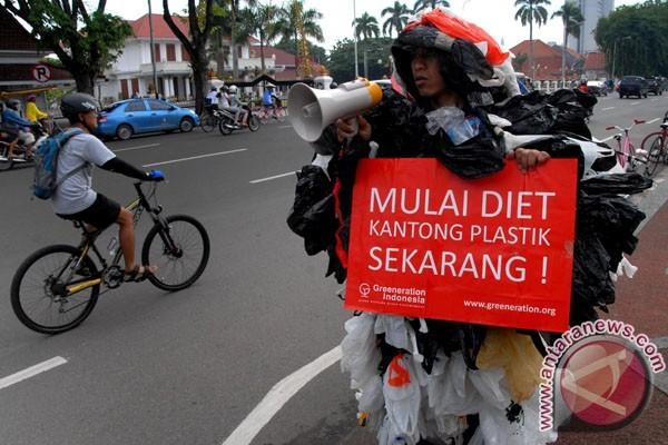 Kantong Plastik Berbayar Belum Efektif Kurangi Sampah