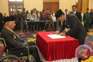 Gubernur Lantik Rusmadi Jadi Sekda Kaltim