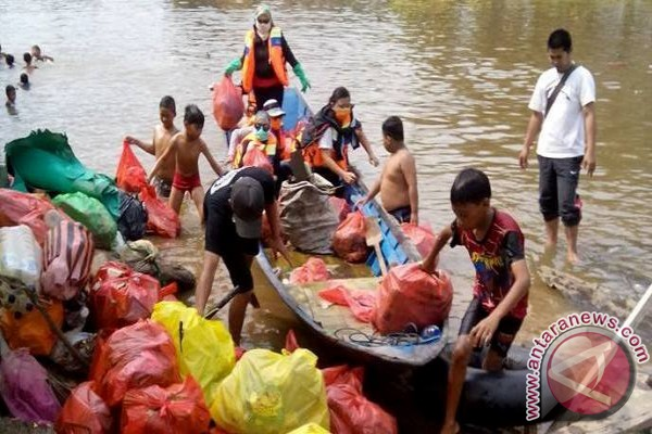 Kampung Laham larang buang sampah ke sungai