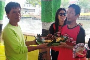 "Mengatasi ""Darurat"" Sampah Sungai Karang Mumus"