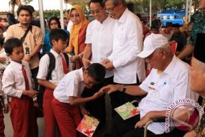 318 Warga Terima Bantuan PKH