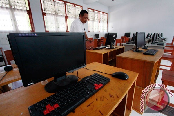 Disdikpora Penajam Tunda Pengadaan Komputer Penunjang UNBK