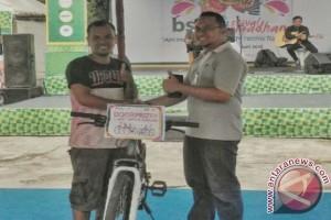 Bazar  BSM  Festival  Ramadhan  Bagikan  Hadiah