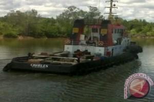 """Tugboat"" Charles Diduga Lintasi Zona Konflik"