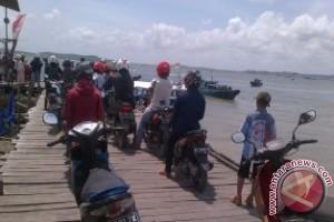 Pelabuhan Klotok Penajam Ramai Penumpang