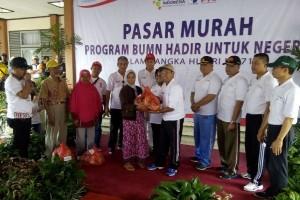 1.500 Paket Sembako Pasar Murah BUMN Ludes