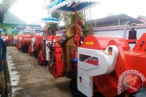 Paser Dapat 134 Unit Alat Mesin Pertanian